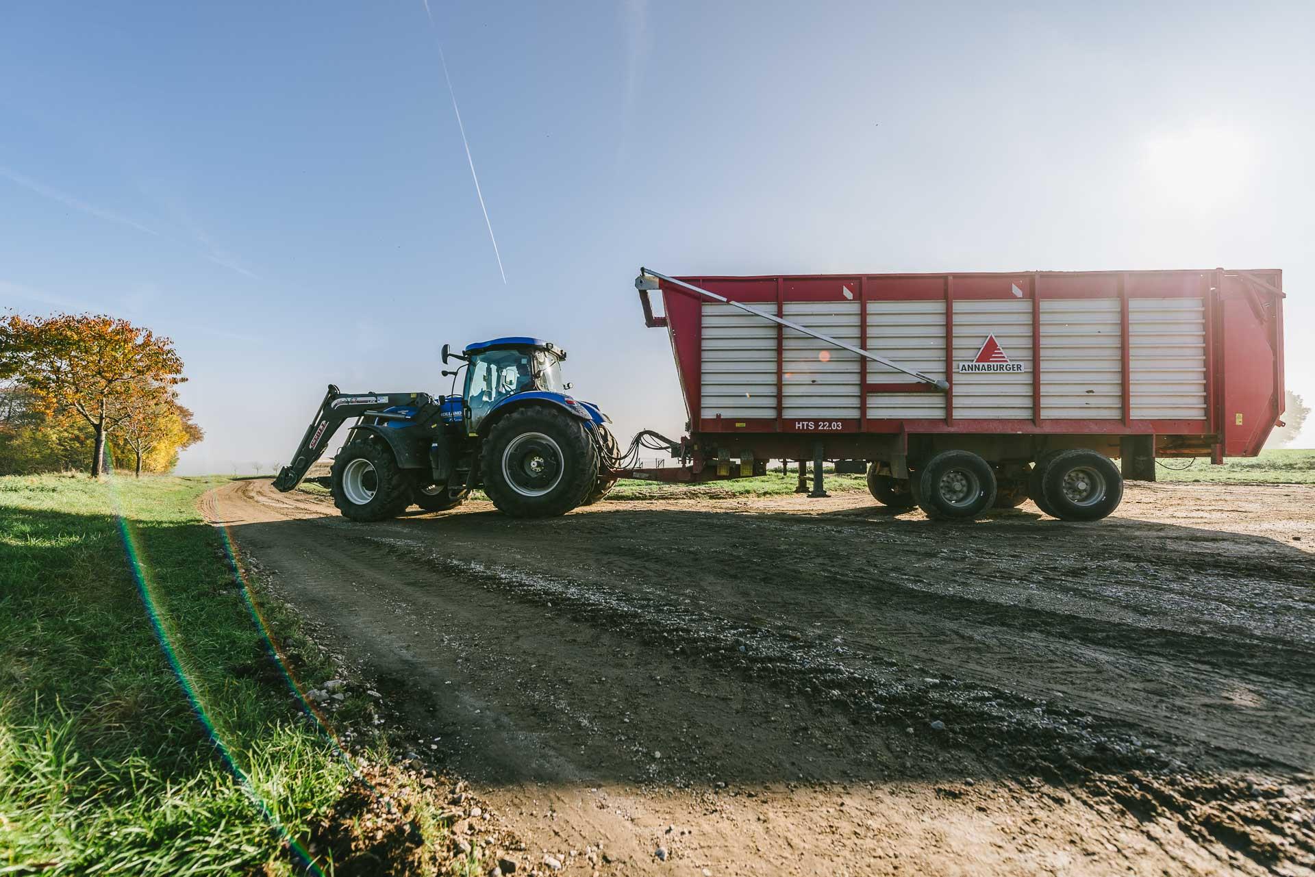 Transport von Maissilage durch die Agrargesellschaft Prießnitz