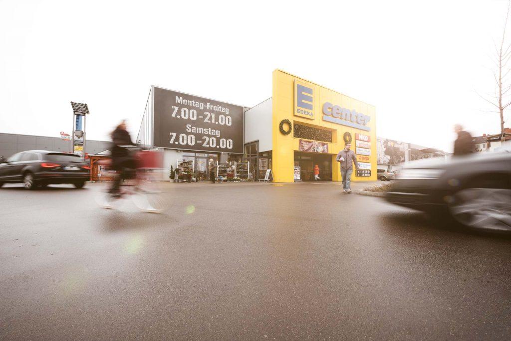 Außenansicht des E-Center Hinze in Naumburg